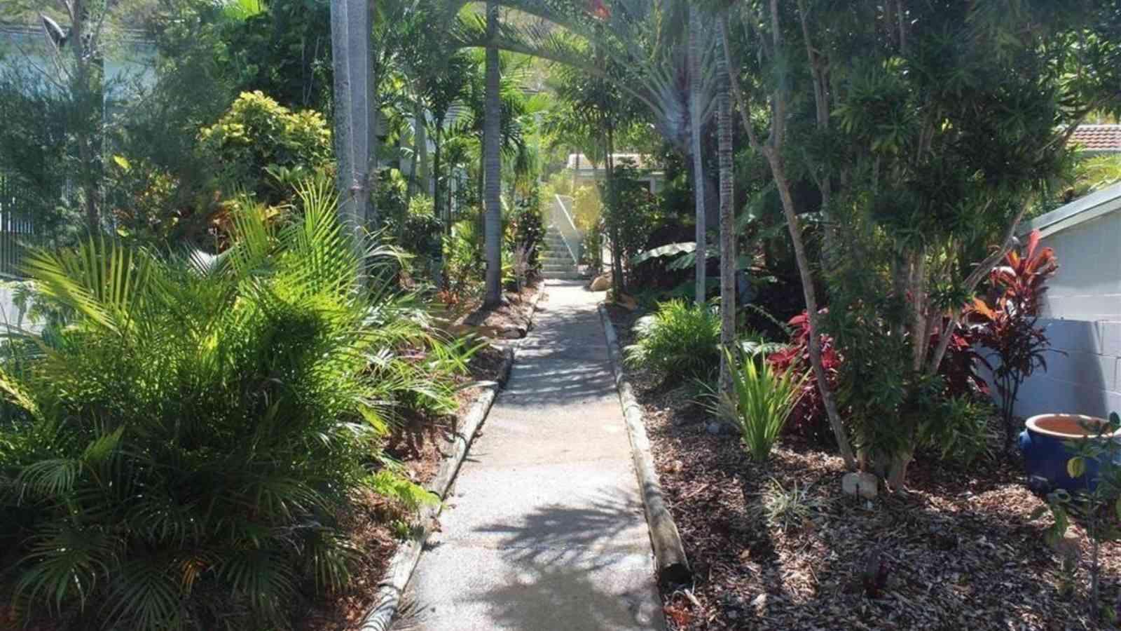 Amaroo Garden Path